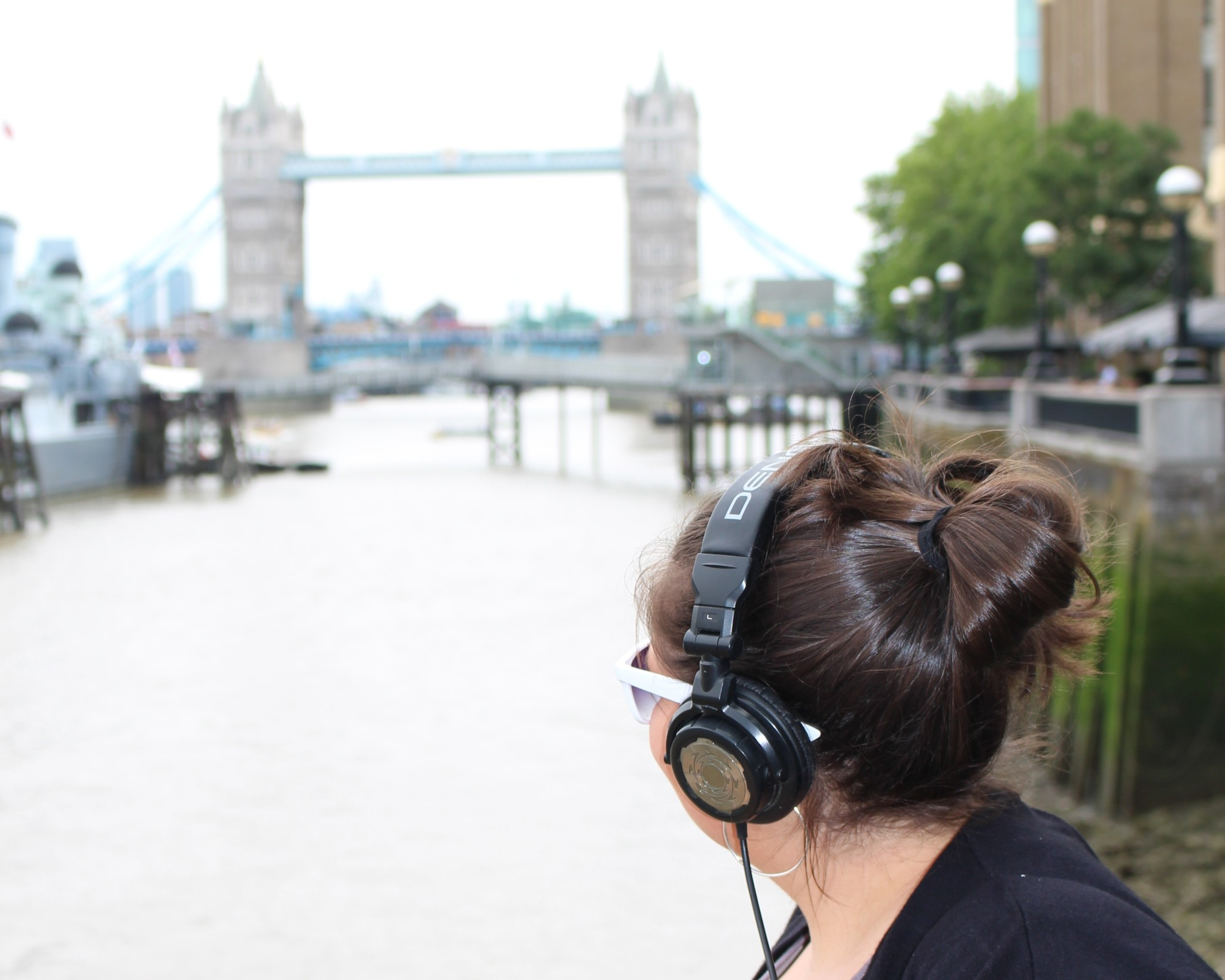 3.LeahBarclay - Listening to the Thames